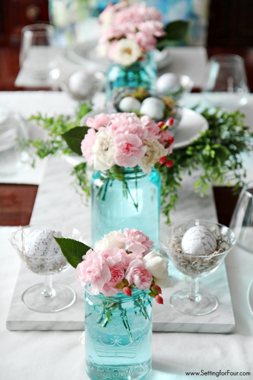 blue-mason-jar-table-decor