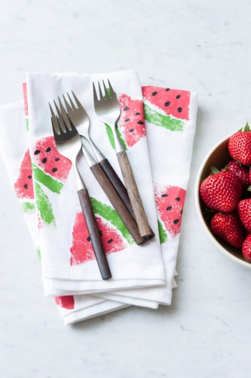 DIY-Watermeon-Print-Napkins-600x902